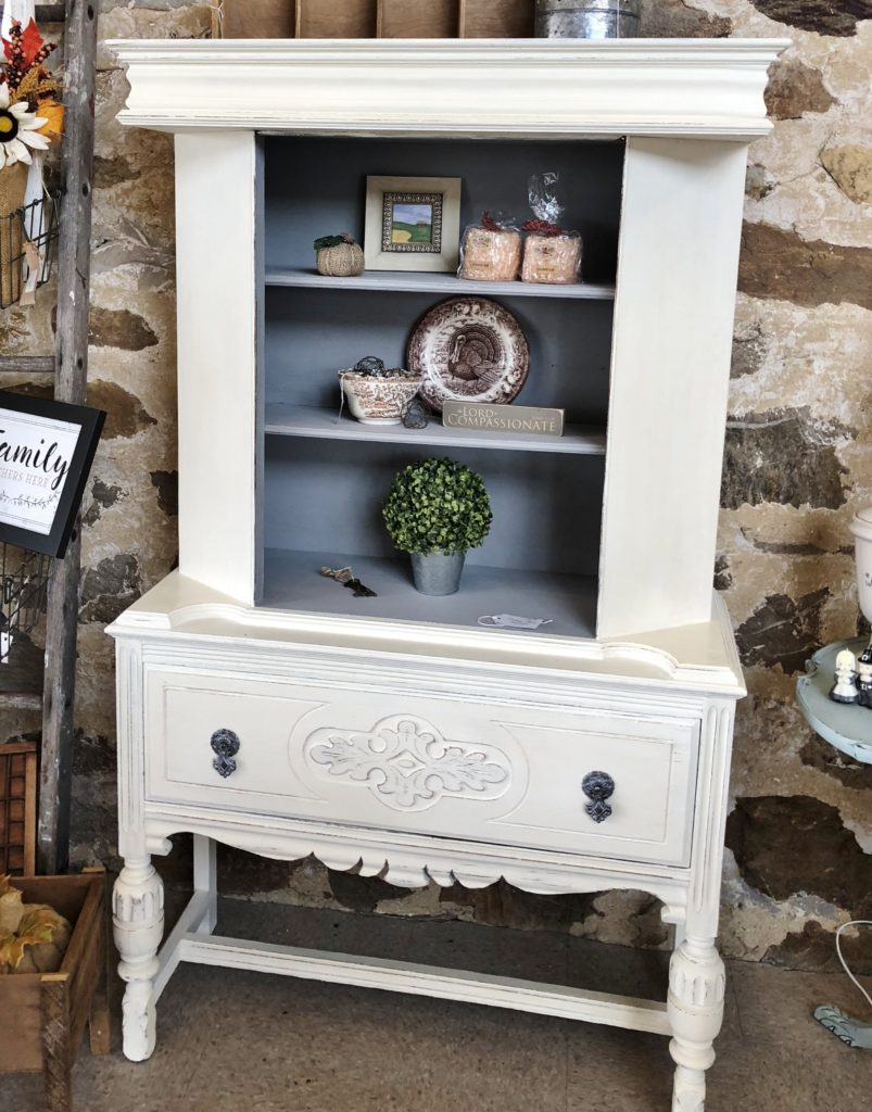 Country Chic Paints Metallic Cream In Trigger